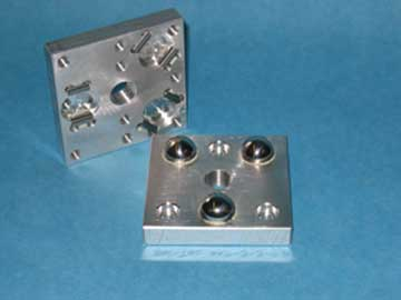 KINEMATIC PLATFORM, TWO PIECE SET, 3X3 THREADED TOP PLATE AND 3X3 BASE PLATE